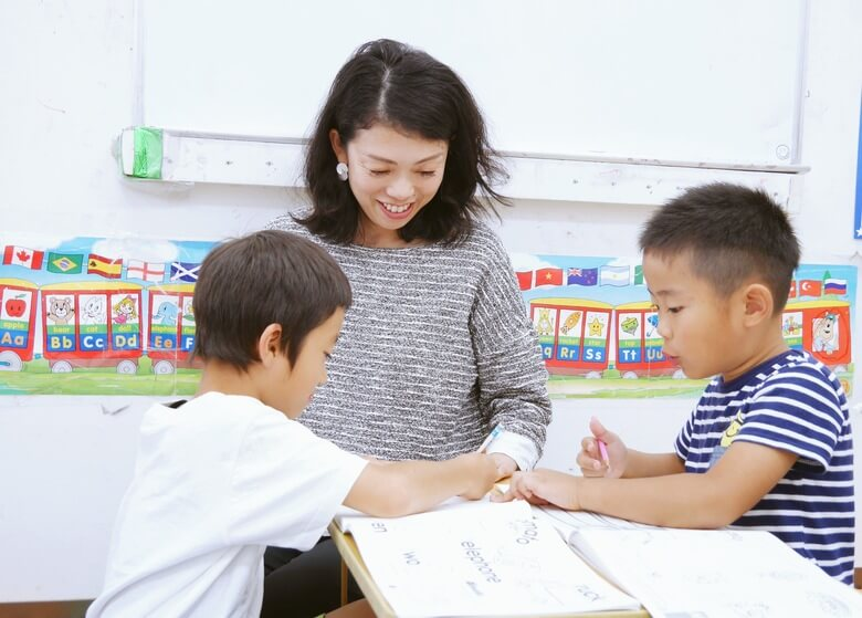 英会話教室「abc shop」の先生と生徒5